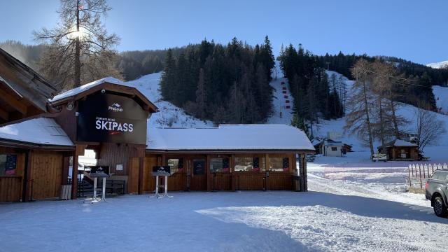Station de ski Praloup en Hiver dans la Vallée de l'Ubaye dans les Alpes